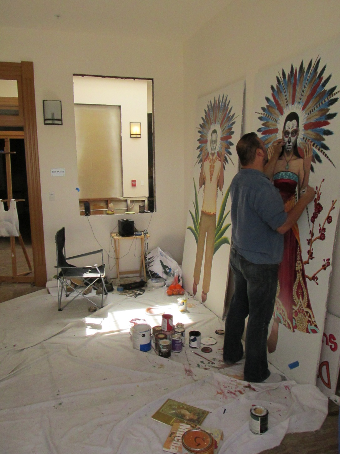 Sometimes you may find a local artist working on his stuff in an Open Studio day on the same level as where the America Tropical mural stands.